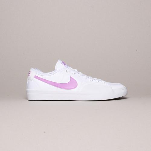 Nike – BLZR Court – White / Fuchsia – 103