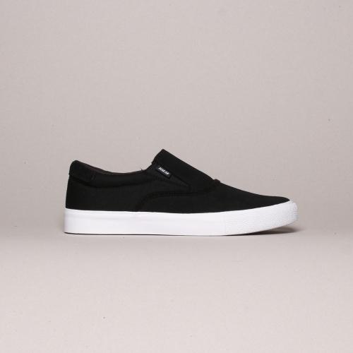Nike – Verona Slip – Black / White – 001