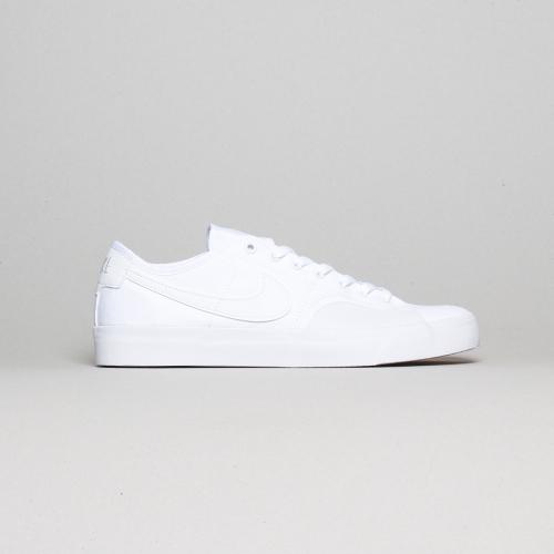 Nike – BLZR – White / White – 102